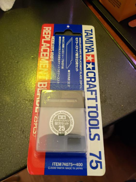 knifeblades.thumb.jpg.7517479f701e859bb46cef0da80cc635.jpg