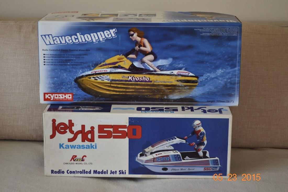 Im going to build it soon but i cant decide if i should keep the original patriotic decals or paint 80s marine colors i love old jet skis